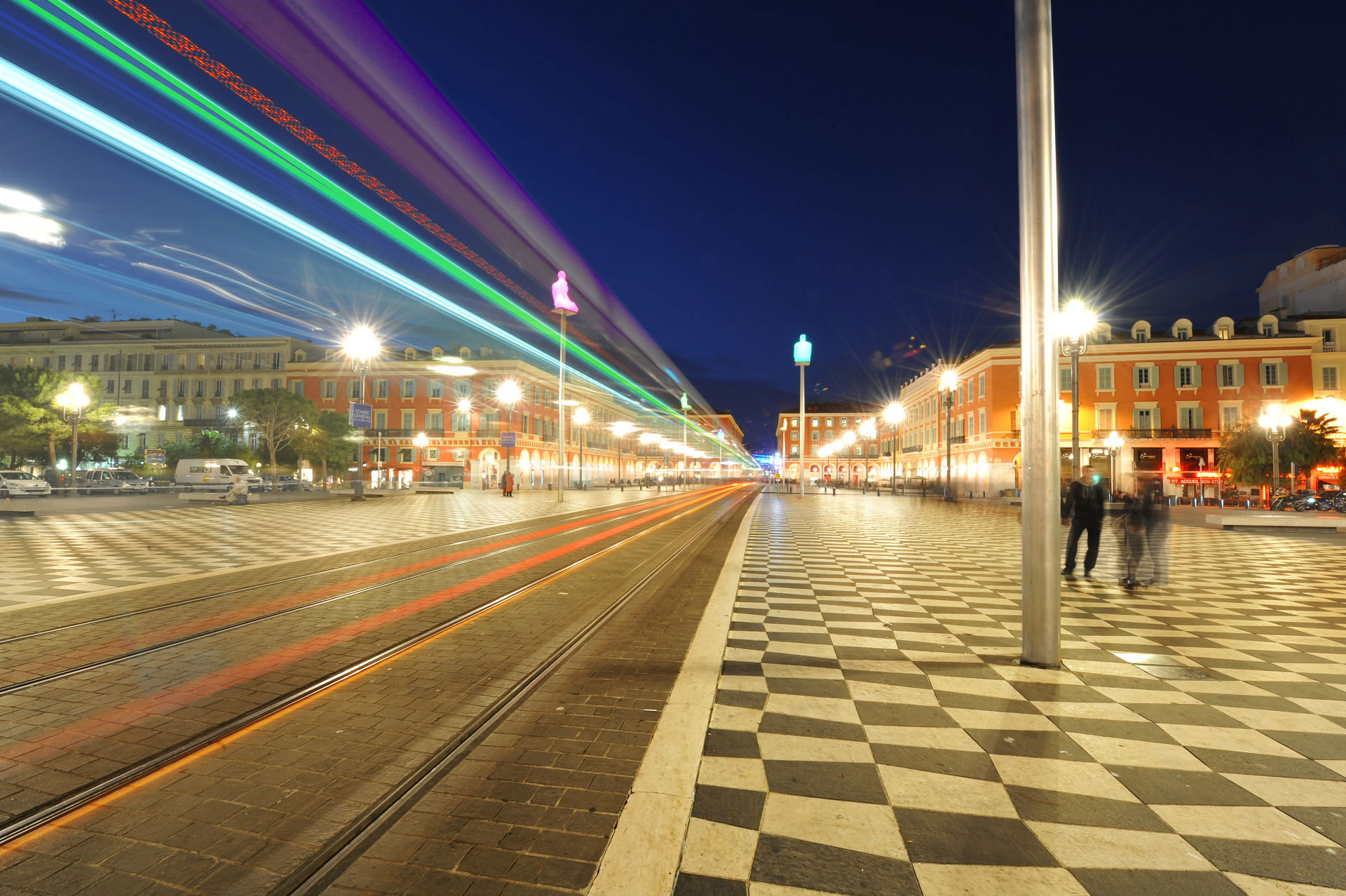 Le Tram, Nice by night. Photo Gérard Perez