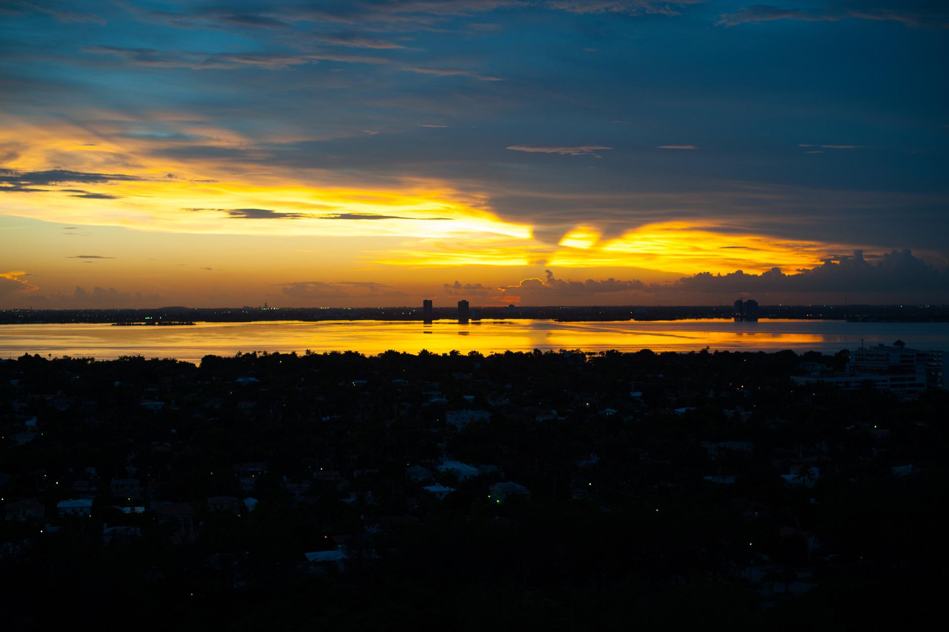 Lever de soleil sur Miami Beach. Photo Gérard Perez